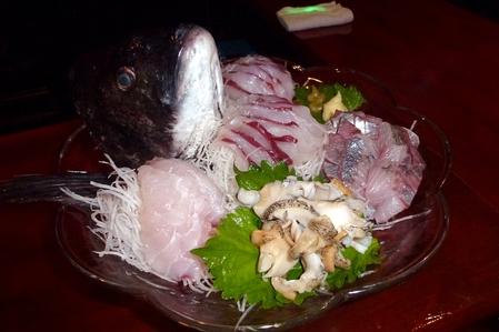 釣れた魚で酒の肴を・・・(変換後))