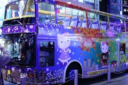 Hello Kitty Christmas Bus♡  東京はとバス♡(変換前)